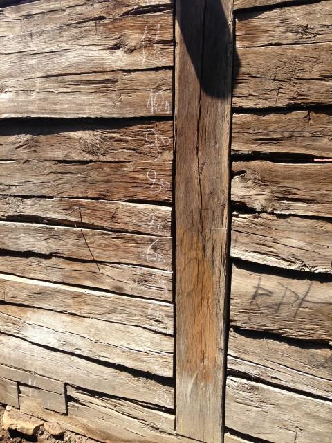 Vendiamo legno di recupero travi capriate morali - Vendita tavole di legno ...