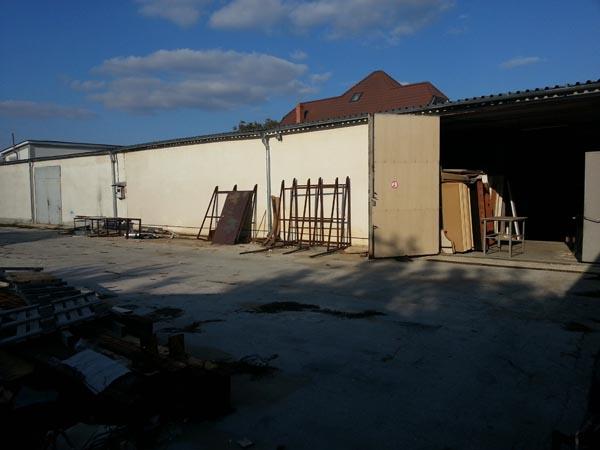 Fabbrica produzione di mobili in truciolato for Produzione di mobili